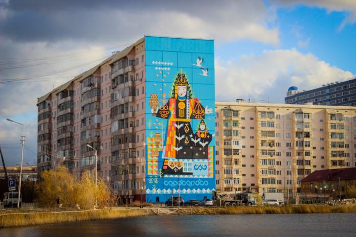 Якутск украсил новый стрит-арт, посвященный богине плодородия Айыыhыт