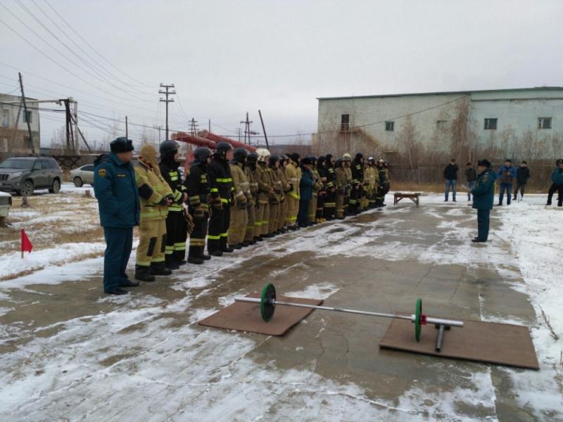 Якутские огнеборцы посоревновались в дисциплинах пожарного кроссфита