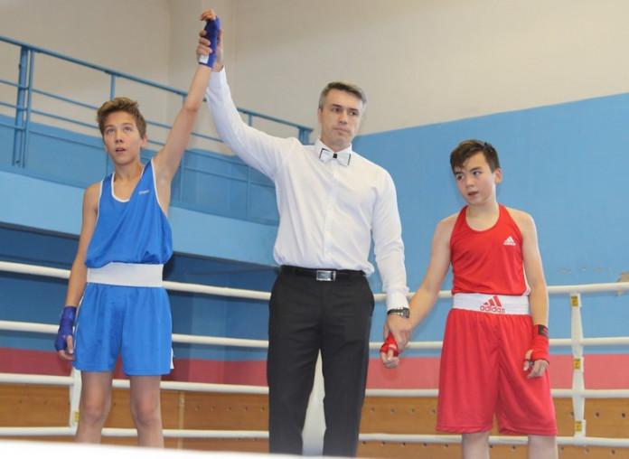 В Удачном впервые провели турнир по боксу памяти Василия Иванова и Виктора Доржиева