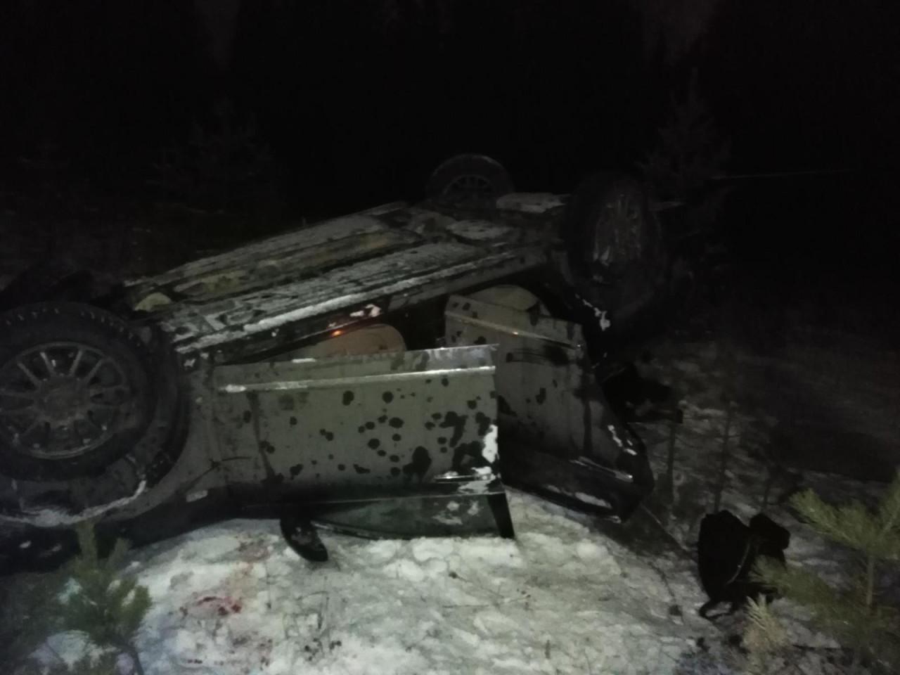 В Алдане ночью опрокинулся автомобиль. Есть пострадавшие