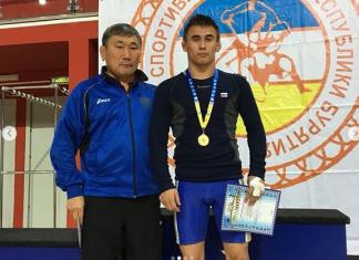 Пётр Копылов стал чемпионом международного турнира по вольной борьбе