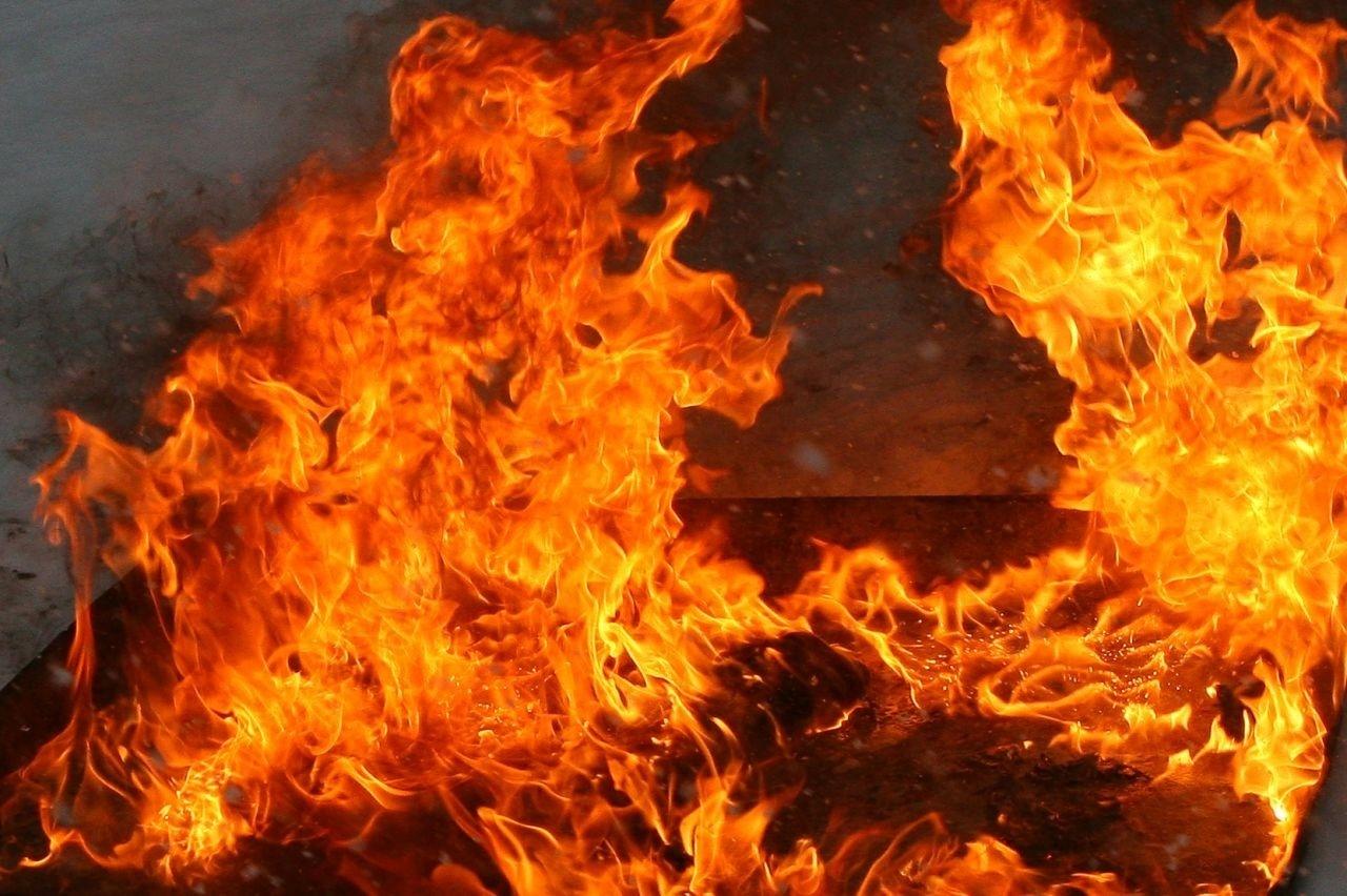 Вчера горели дача и жилой дом