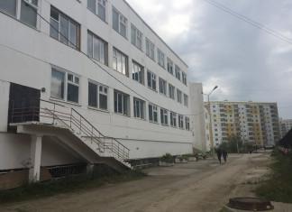 В Якутске директору средней школы объявлен выговор за нарушения законодательства об образовании