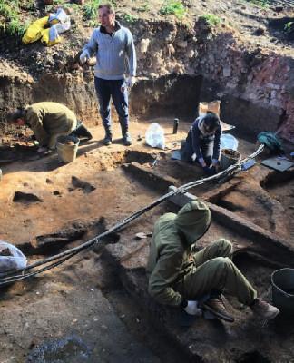 Череп мамонта с кладом внутри обнаружен археологами в Подмосковье