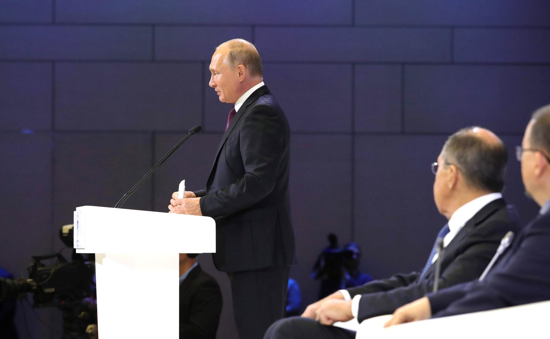 Владимир Путин подписал Концепцию государственной миграционной политики