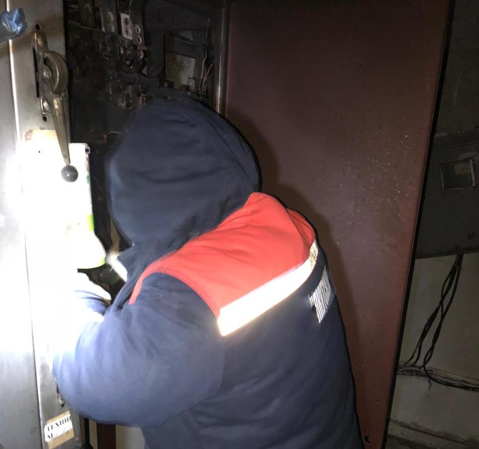 В выходные энергетики восстановили электроснабжение потребителей абонентской подстанции