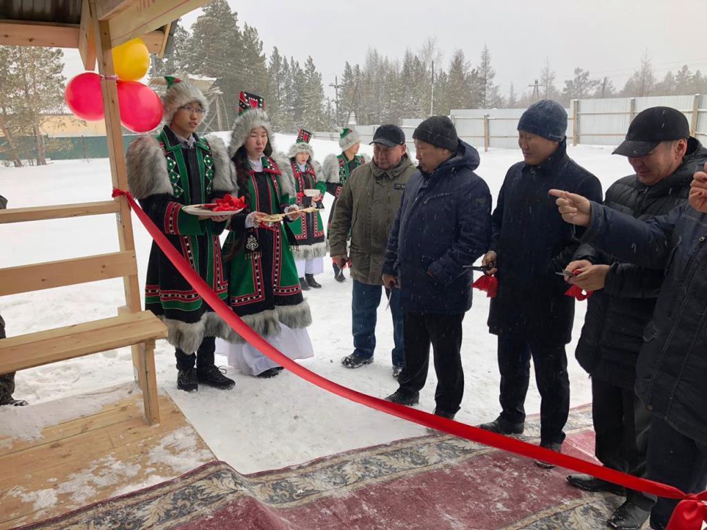 Коммунальщики Горного района справили новоселье