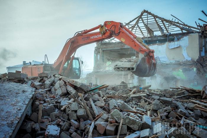 В департаменте жилищных отношений Якутска уточняют данные по списку аварийных домов