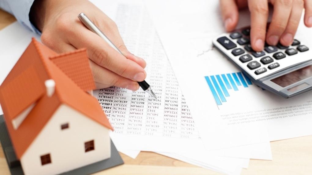 Средние расходы семьи на оплату услуг ЖКХ в РФ — 5038 рублей в месяц