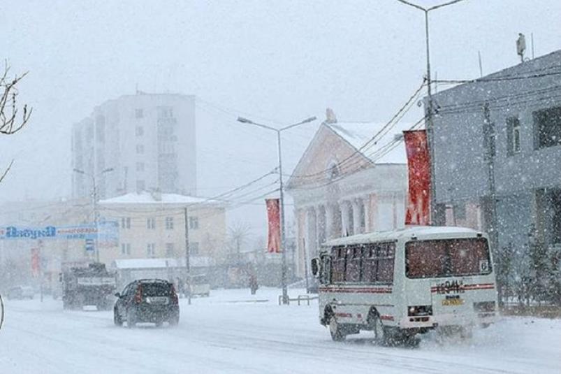 В Якутске оплата за проезд в городском автобусе картой «Спутник» составляет  23 рубля