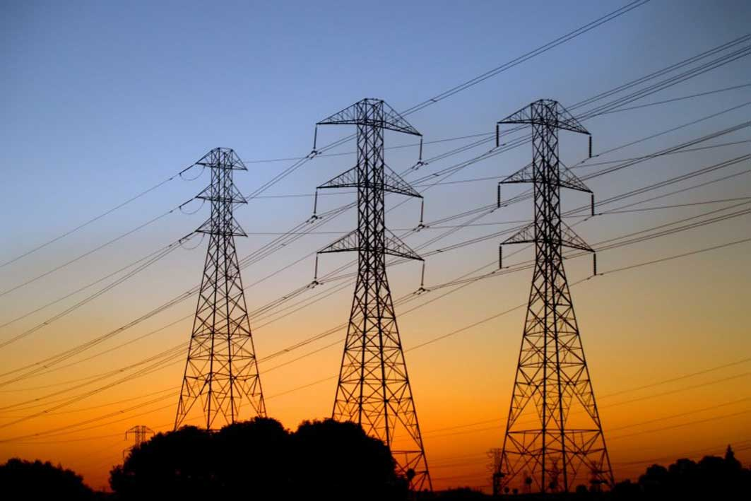 """""""Магаданэнерго"""" восстановила электроснабжение обесточенных поселков в Якутии"""