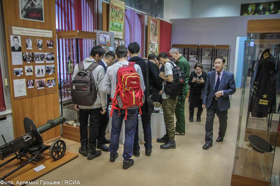 В день Неизвестного солдата поисковики передали музею артефакты Великой Отечественной