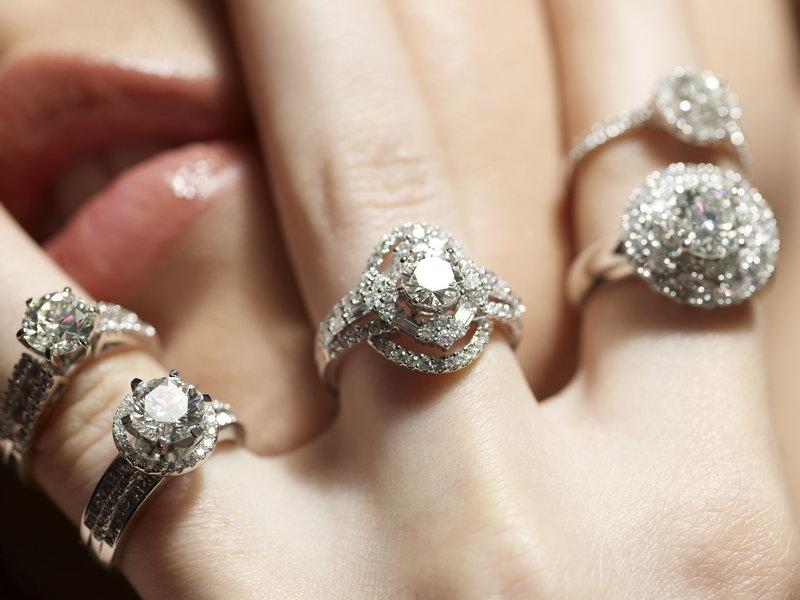 АЛРОСА: Мировые продажи ювелирных украшений с бриллиантами в третьем квартале выросли на 4%