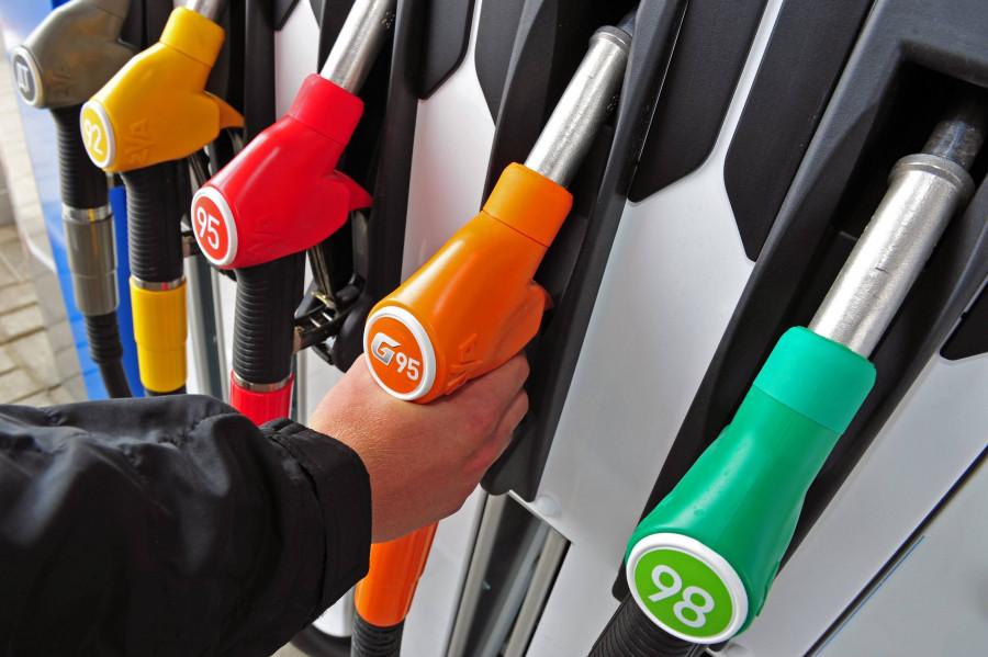 Бензин в России за 2018 год подорожал на 9,4%