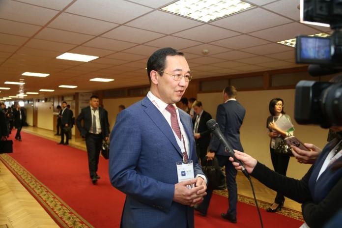 Айсен Николаев принимает участие в мероприятиях Гайдаровского форума