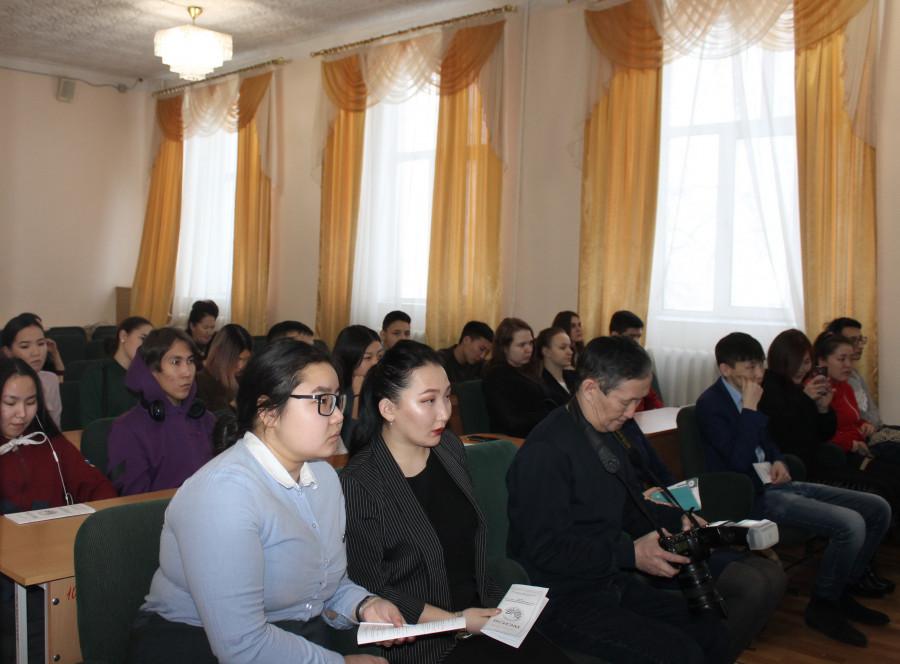 """На дискуссионной площадке """"PRO LIFE"""" обсудили роль молодежных инициатив в развитии России"""