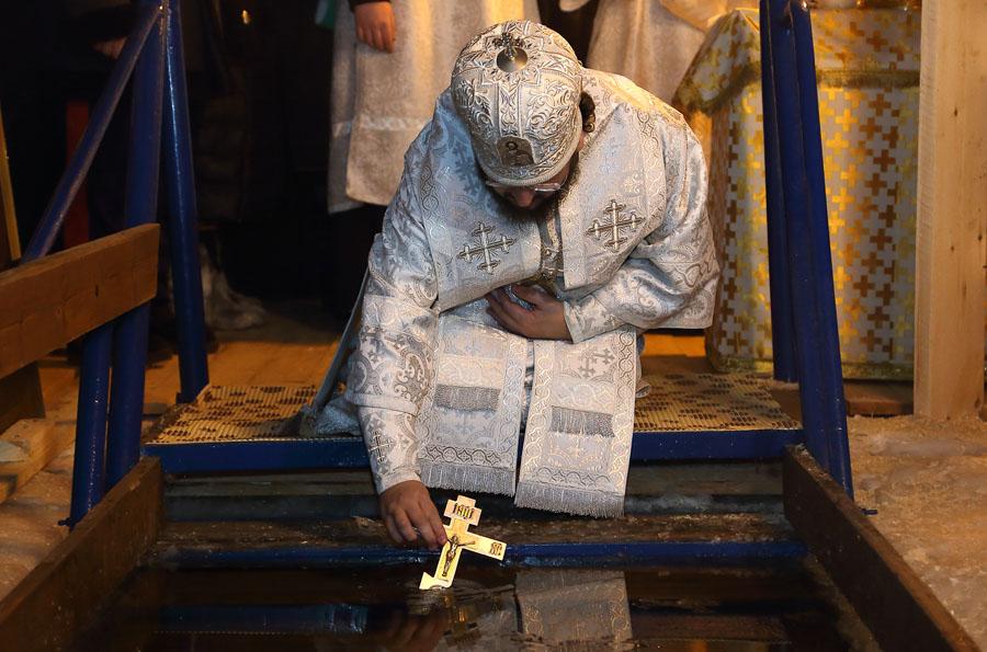 В храмах Якутска пройдут праздничные богослужения и Великое водоосвящение