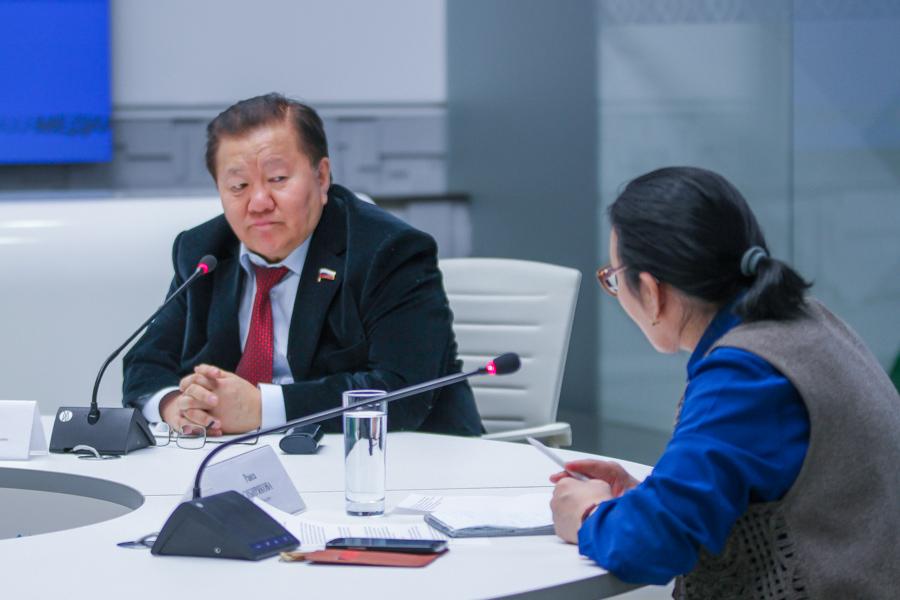Федот Тумусов поддержал инициативы главы Якутии по развитию Арктики