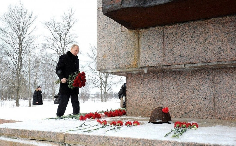 Путин принимает участие в мероприятиях к 75-летию полного снятия блокады Ленинграда