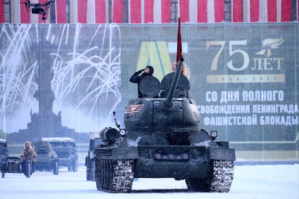В Петербурге в день полного снятия блокады Ленинграда пройдет парад