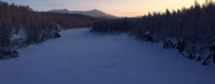 На Полюсе холода туристы из Германии искупались в незамерзающем источнике