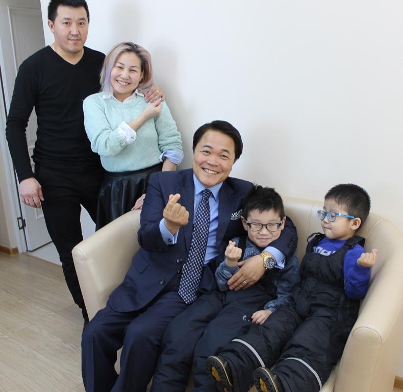 Корейский благотворительный фонд поможет многодетной семье из Хангаласского улуса