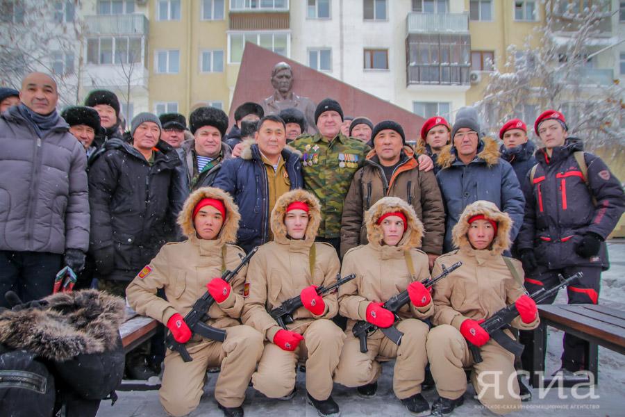 В Якутске открыли памятник участникам боевых действий