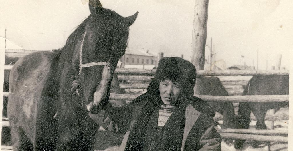 На основе коллекции фаната конного спорта создадут уникальный архив скачек Якутии
