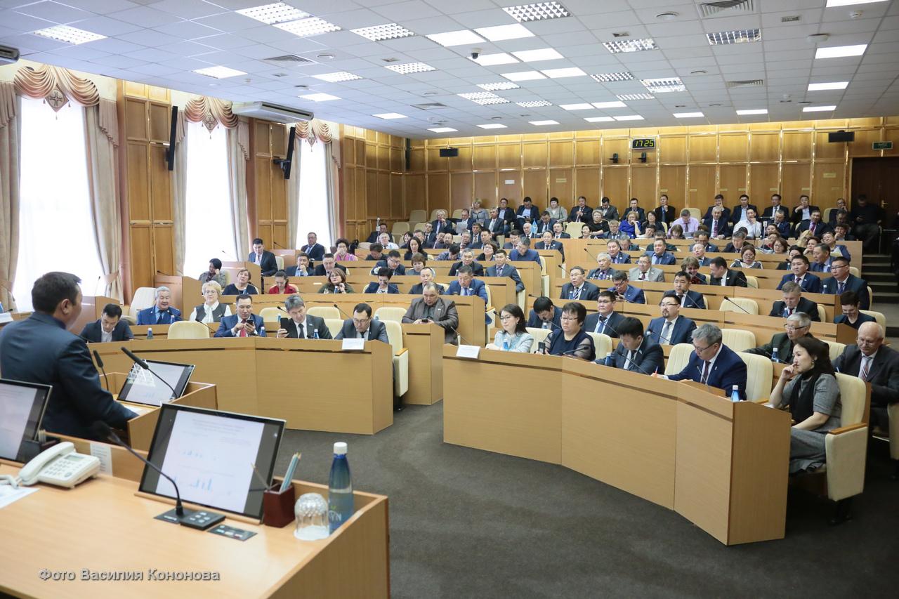 В Ил Тумэне состоялся круглый стол по актуальным вопросам муниципальных образований