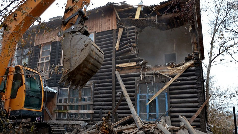 """До конца 2020 года в Якутии расселят более 85 тысяч аварийных """"квадратов"""""""