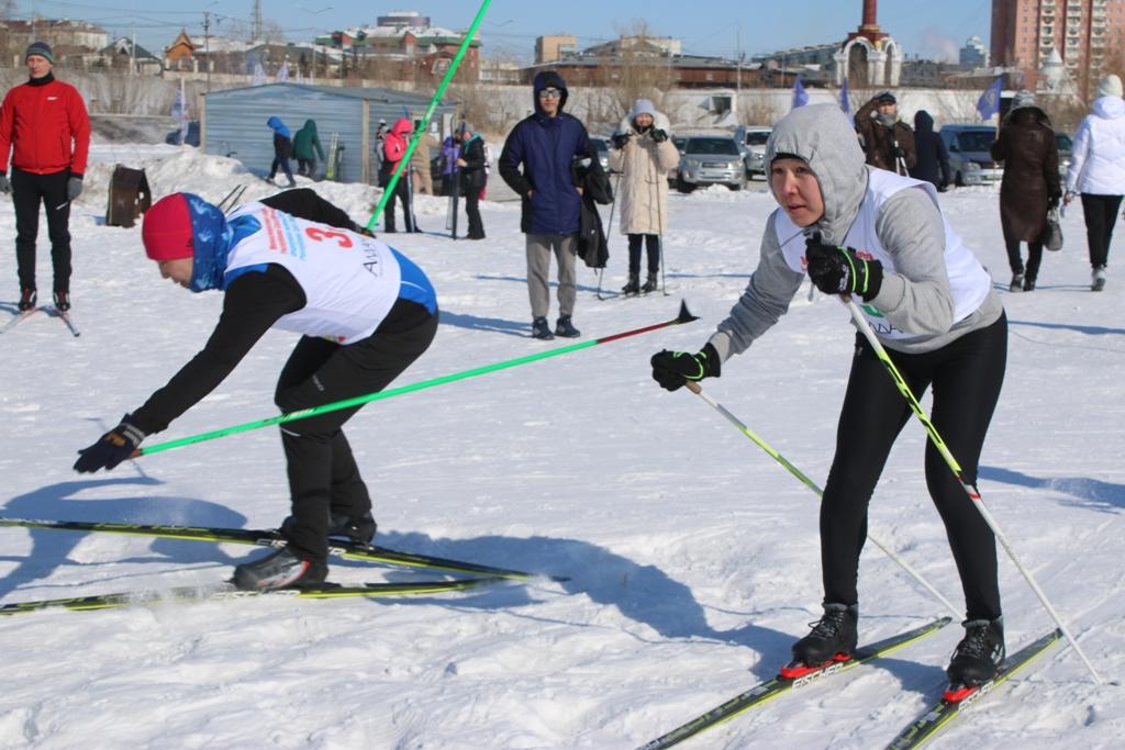Состоялись эстафетные соревнования по лыжным гонкам среди трудовых команд