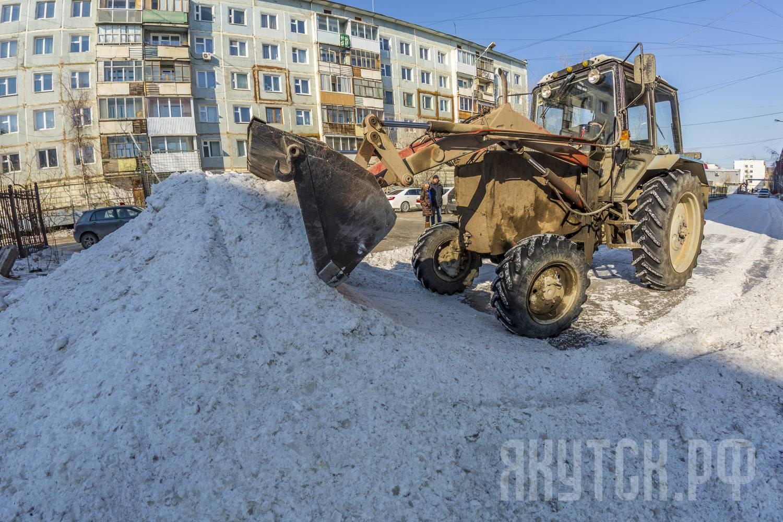 Минитрактора с кабиной для уборки снега