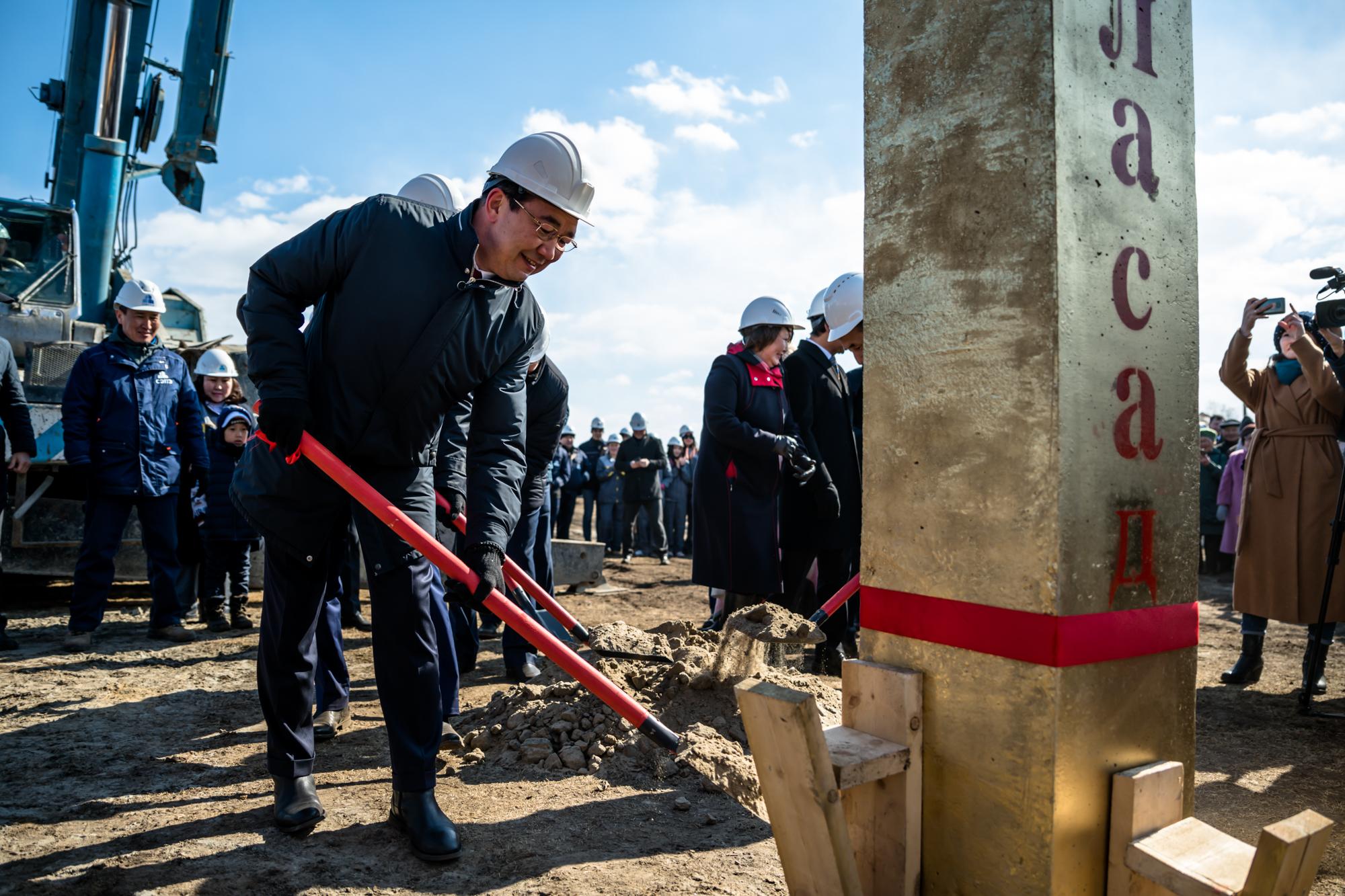 В селе Октемцы установлена первая свая совмещенной с детским садом школы