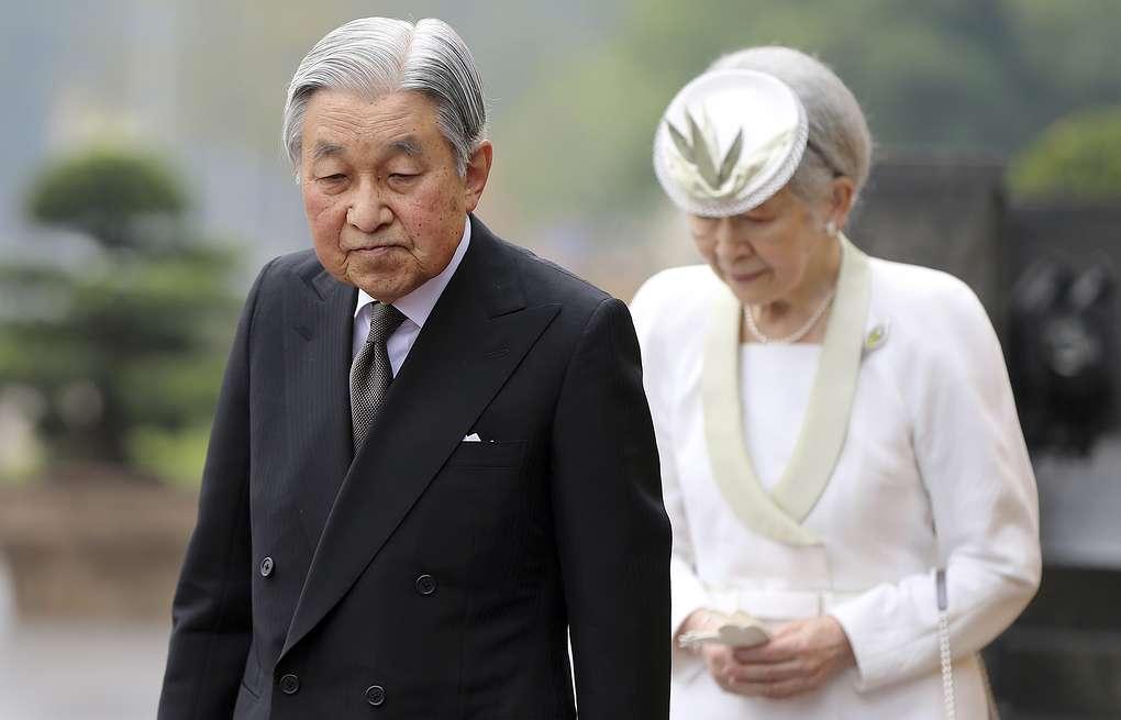 Впервые за 200 лет: Японский император отрекается от престола