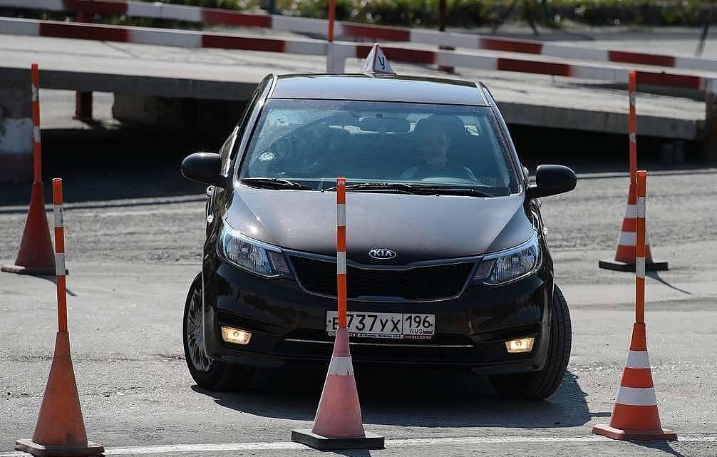В теоретической части экзамена на права могут появиться вопросы об экстремальном вождении