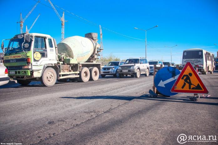 В течение пяти лет в Якутске отремонтируют 200 километров дорог