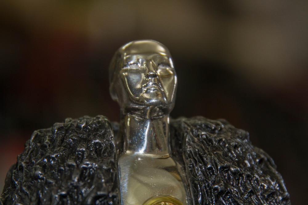 Из Якутии с любовью: Серебряного Джона Сноу подарят Джорджу Мартину (ВИДЕО)