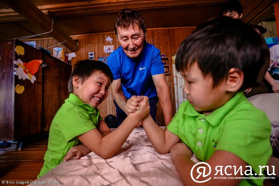 Айсен Николаев: Очень важно поддерживать статус отца в современном обществе