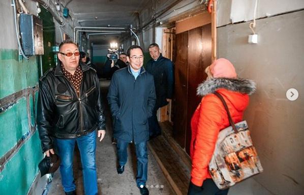 Айсен Николаев о расселении аварийного жилья в Мирном и в республике