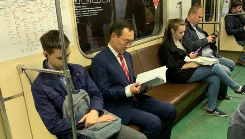 Глава Якутии рассказал, почему решил воспользоваться московским метро