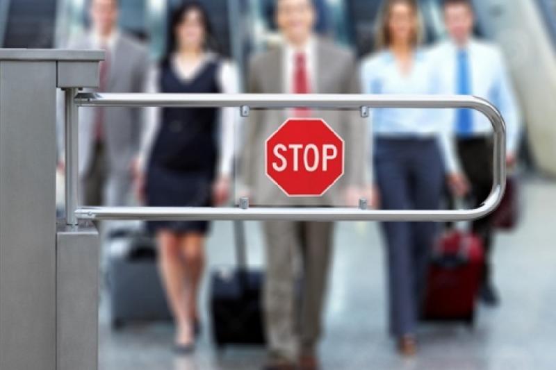 Ограничение выезда должников: Судебные приставы ответят на вопросы по «горячей линии»