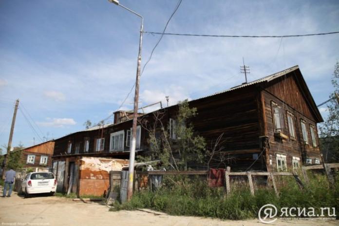 Глава Якутии отметил недопустимость срыва программы расселения аварийного жилья