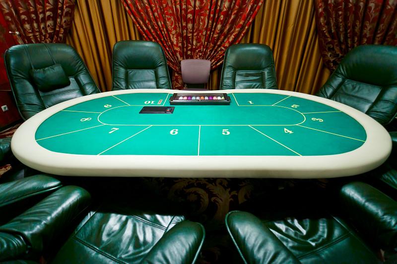 Покерный стол казино игра управление казино
