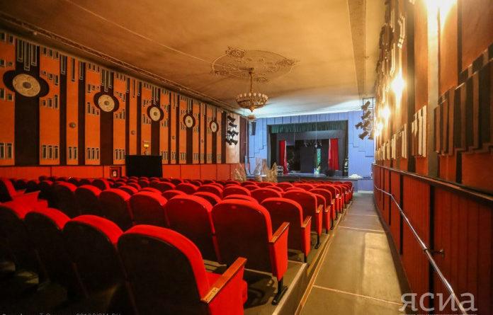 Театр юного зрителя готовит премьеру ко Дню республики с 3D-эффектами