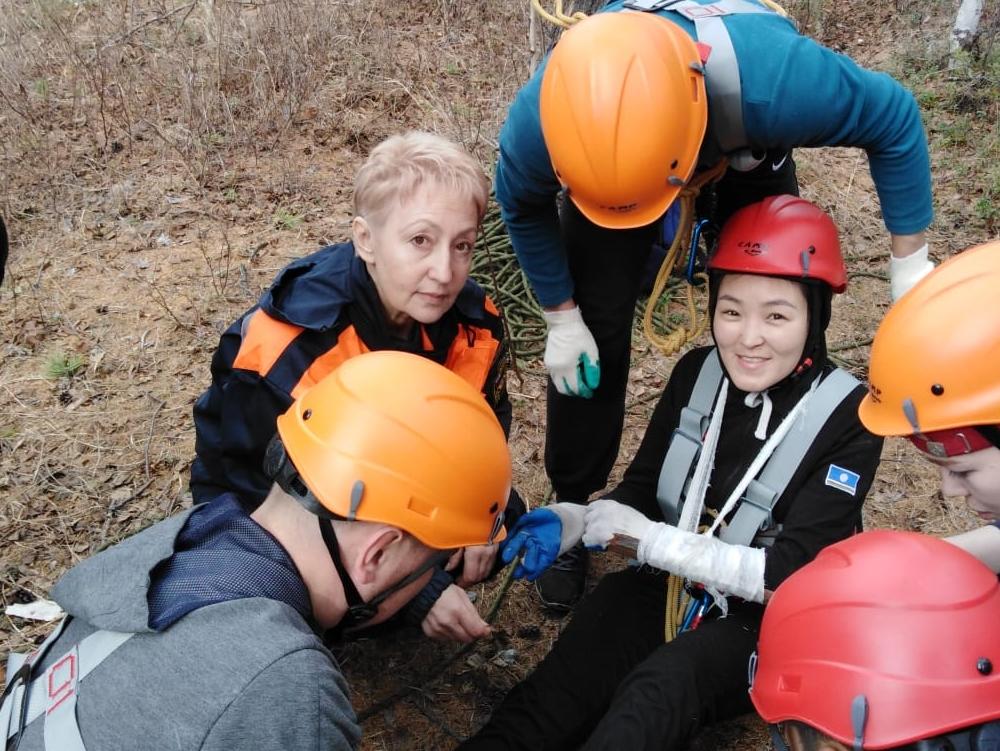 Спасатели-волонтеры проходят обучение на тренировочных сборах