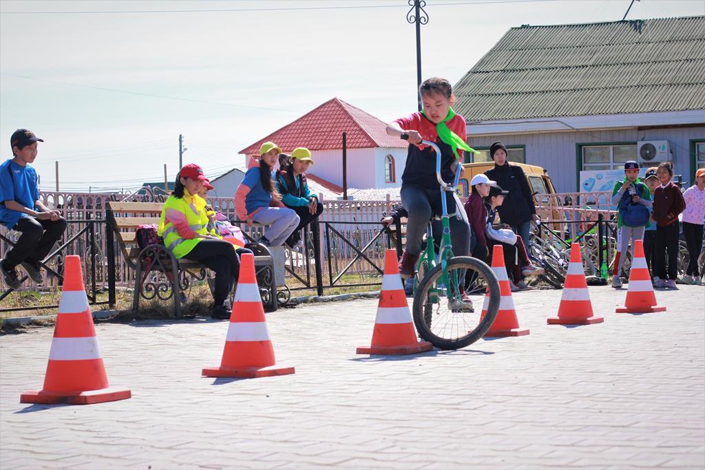 Дети из реабилитационного центра победили в соревновании «Безопасное колесо» в Усть-Алданском улусе