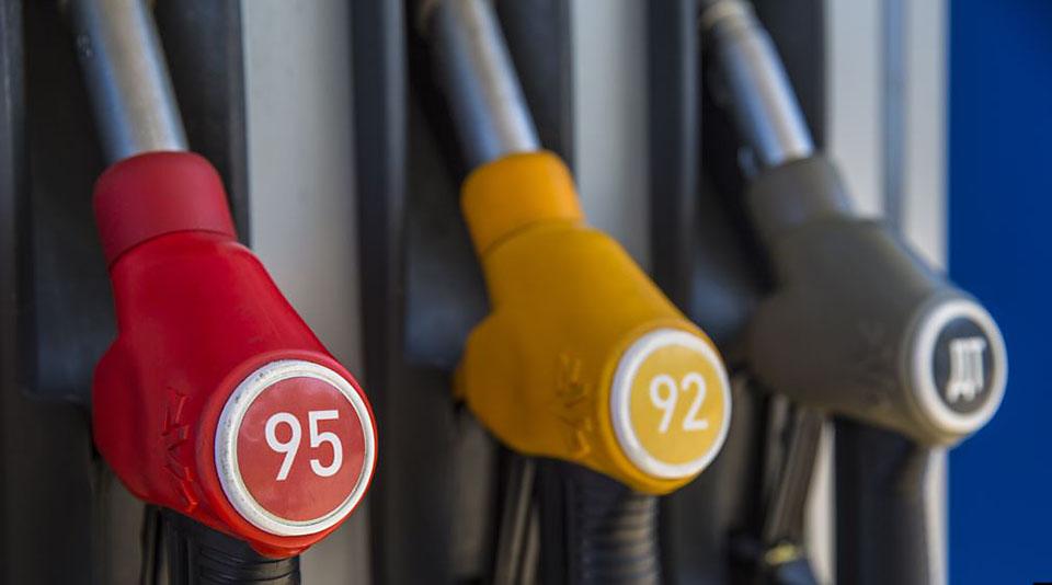 Независимые АЗС предупредили Козака о новом скачке цен на бензин
