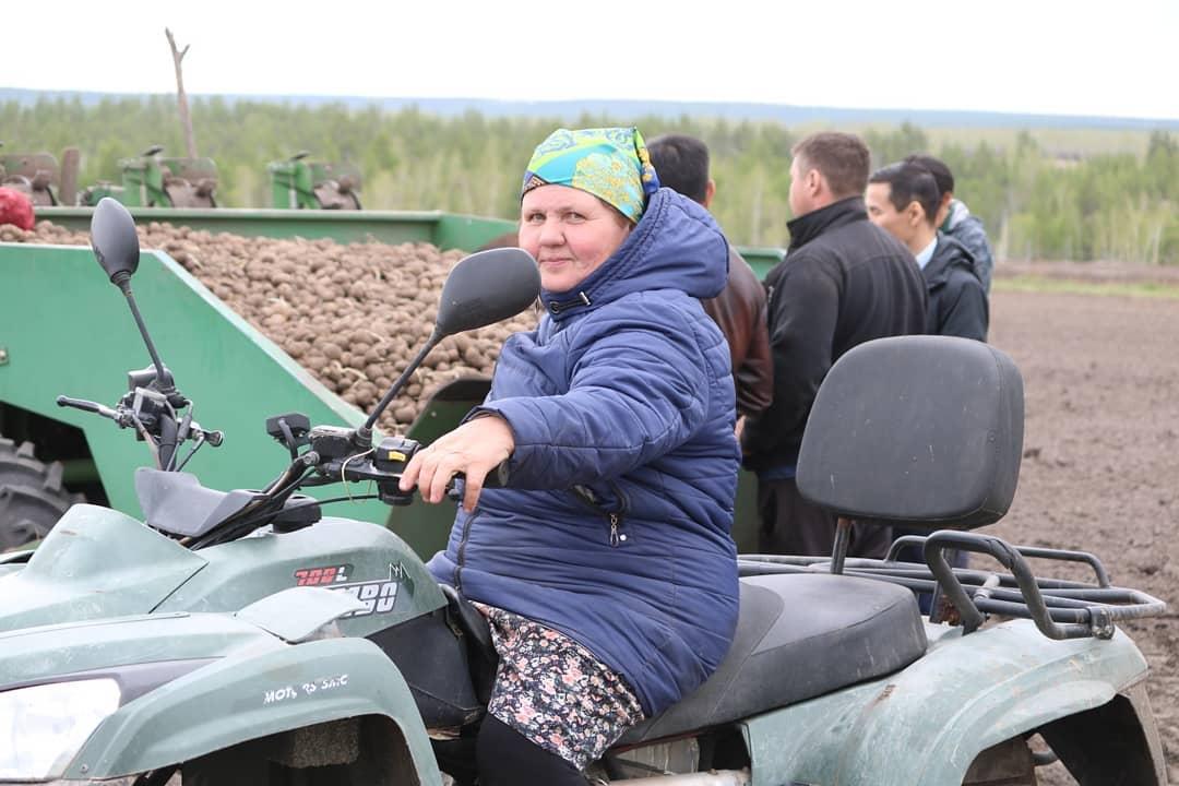 В Магане семья фермеров засеет 600 га земли