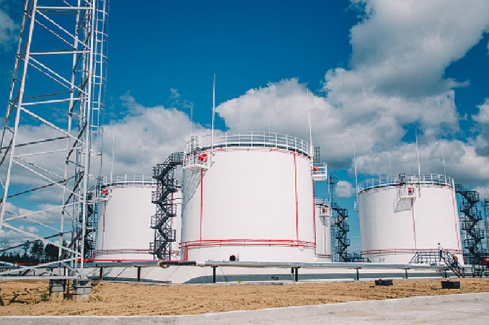В центральные улусы Якутии нефтепродукты будут завозить круглый год