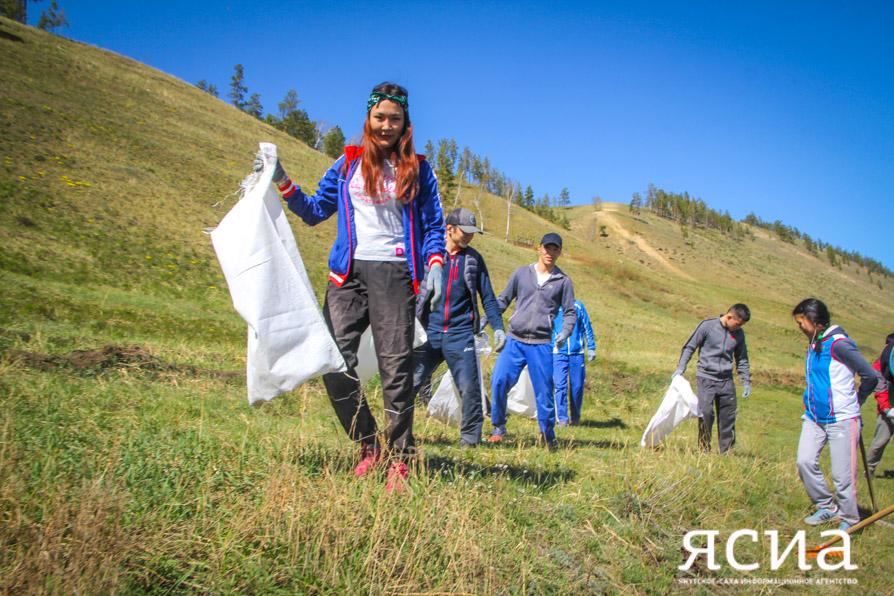 В Якутске проходит акция «Чистый лес – территория без огня»